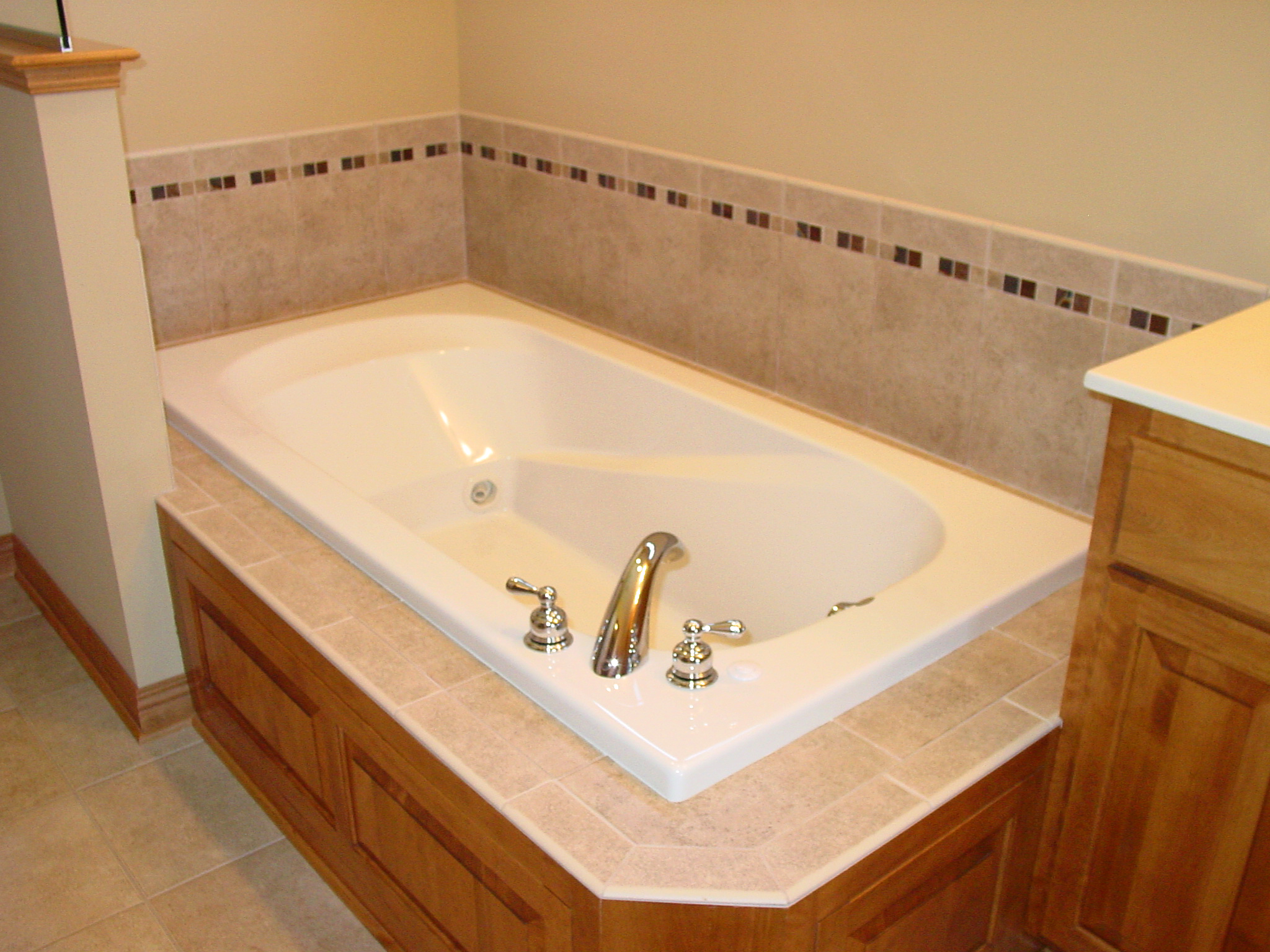 tub surround tile san with flickr andrechinn jose person two b by photos andrec